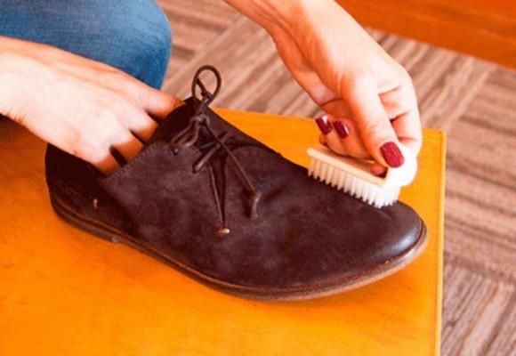 3 Trucos para limpiar el calzado de ante y serraje rápidamente.